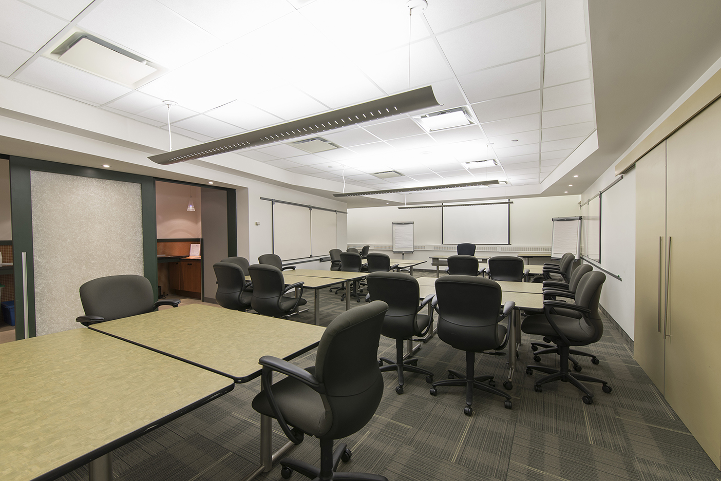Budget Office Space For Rent | Office Space for Lease in